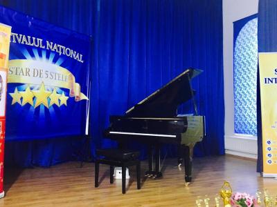 "Festivalul National ""Star de 5 stele"""